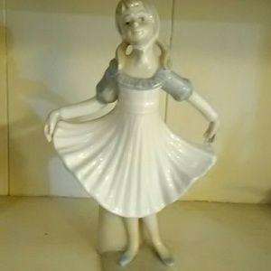 Castillo porcelain ballerina figurine collectible